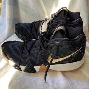 Nike Kyrie 4 Pitch Blue